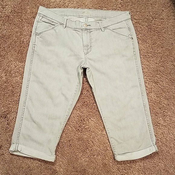 Old Navy Pants - Old Navy Capri Jeans